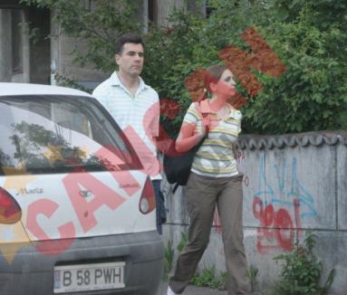 Consilierul lui Isărescu iese cu purtătoarea de cuvânt de la Guvern