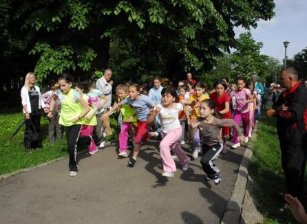 Fotbal, cros şi karate în ultimul weekend al Toamnei Orădeane