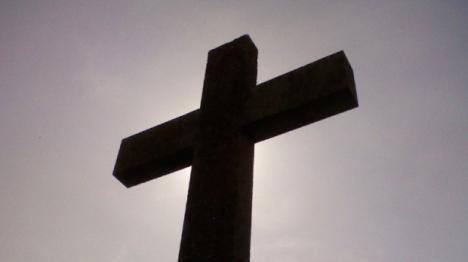 Primiţi cu înmormântarea? Cum s-a  trezit o firmă de pompe funebre să-şi promoveze oferta chiar în Săptămâna Patimilor