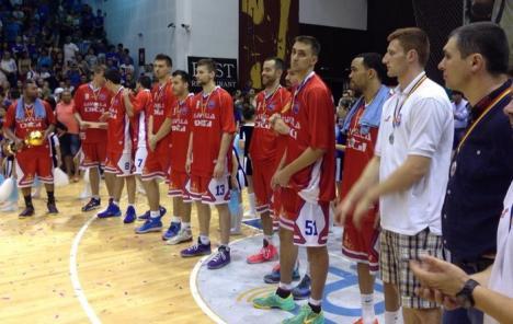 Baschetbaliştii orădeni au pierdut finala în faţa Asesoft. În premieră, CSM Oradea este vicecampioană!