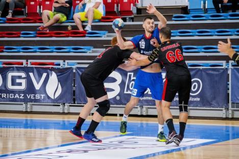 CSM Oradea a câştigat cu 39-29 derby-ul etapei şi s-a desprins în fruntea clasamentului (FOTO)
