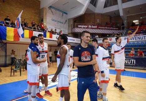 Baschetbaliştii de la CSM CSU Oradea vor juca sâmbătă seara la Piteşti, în etapa a 4-a a Ligii Naţionale