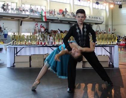 Cupa Europei: Fraţii Ceaian au câştigat la Budapesta locul întâi la dans modern categoria Standard
