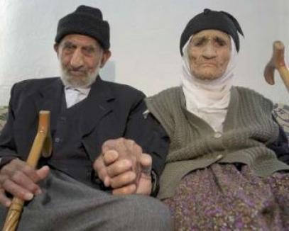Cel mai longeviv cuplu din lume formează 222 ani!