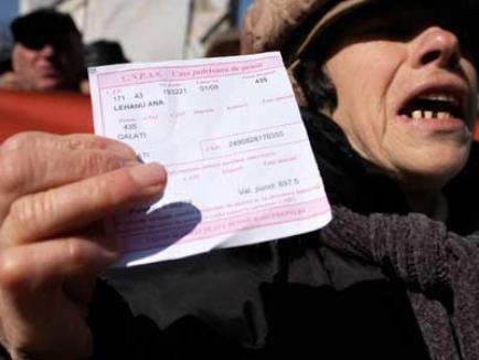 Pensionari din 10 localităţi bihorene, prinşi că încasau fraudulos indemnizaţii de refugiat