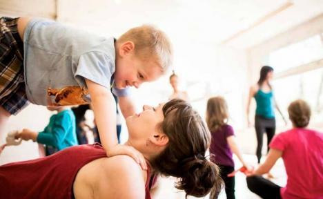 Cursuri de yoga pentru copii, la Oradea! De ce sunt benefice pentru cei mici