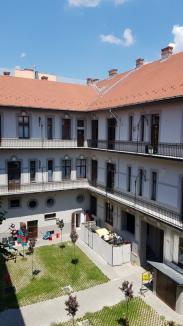 Jos pălăria! Palatul Rimanóczy Kálmán Senior din Oradea a fost reabilitat și în curtea interioară (FOTO)