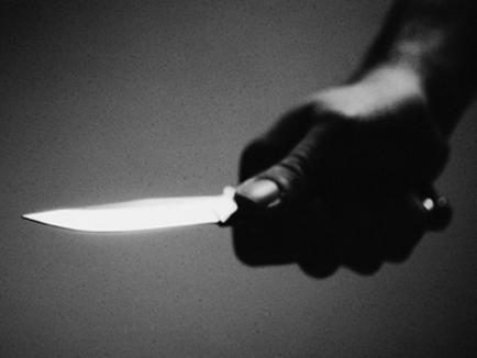 Un elev de-a X-a şi-a înjunghiat doi colegi de şcoală