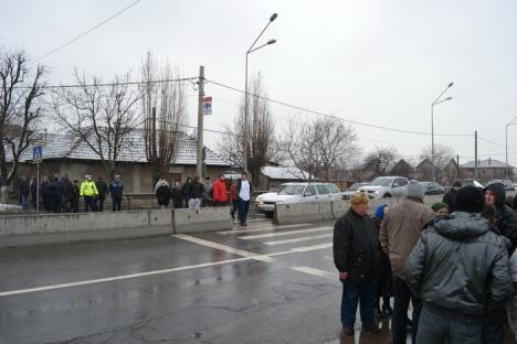 Centura sub asediu: Sute de maşini blocate în trafic de un protest al locuitorilor din zona Coriolan Hora (FOTO)