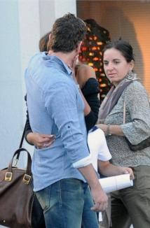 Mădălina Ghenea, fotografiată în timp ce se săruta cu Gerard Butler (FOTO)