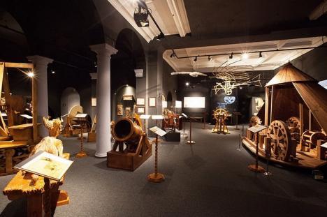 'Invenţiile unui geniu': Maşinile lui Leonardo da Vinci vor fi aduse din Florenţa la Muzeul Ţării Crişurilor (FOTO)