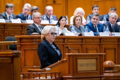 Ziua moţiunii de cenzură: Cade Guvernul Dăncilă? Şi puterea, şi opoziţia se declară sigure de victorie
