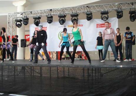 240 de copii, la concursul de dans pentru copii cu dizabilităţi