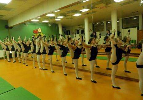 Clubul Fit Dance Oradea trimite 70 de participanţi la un concurs internaţional din Viena
