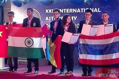 Lăsat baltă de Ministerul Educației, un elev din Suceava a câștigat aurul la Olimpiada de Astronomie din Sri Lanka