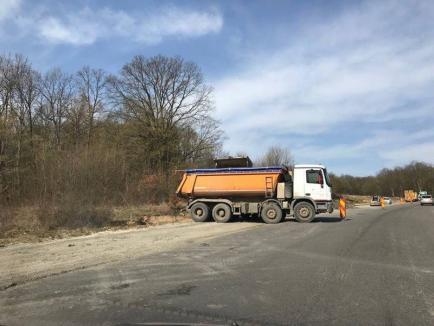 Modernizare de sezon: Pe DN 76 se reface asfaltul, după doar câteva luni! (FOTO)