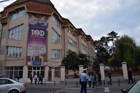 A sunat clopoţelul! În acest an şcolar, trei colegii din Oradea sunt în sărbătoare (FOTO)