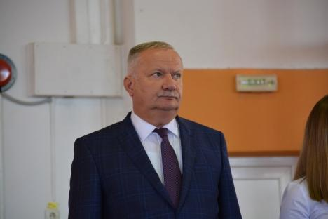 Debut de an universitar: Un rector fericit, promisiuni de la administraţia locală şi reculegere în memoria lui Teodor Maghiar (FOTO)