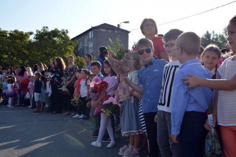 Şcoala a început şi pe YouTube: Festivitatea de debut de an şcolar de la Liceul Onisifor Ghibu, transmisă live pe internet de elevii şcolii (FOTO/VIDEO)