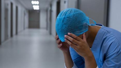 Al doilea deces al unui cadru medical din cauza Covid-19: o asistentă din Braşov, care avea 58 de ani