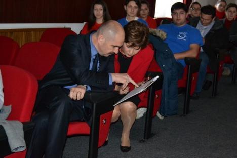 Diplome pentru omenie: Voluntarii şi ONG-urile au fost premiate simbolic de Primărie (FOTO)