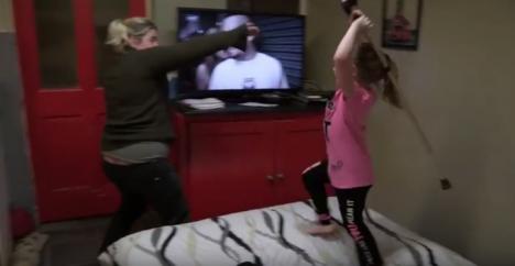 Mamă bătută şi terorizată de fetiţa de… 6 ani! (VIDEO)