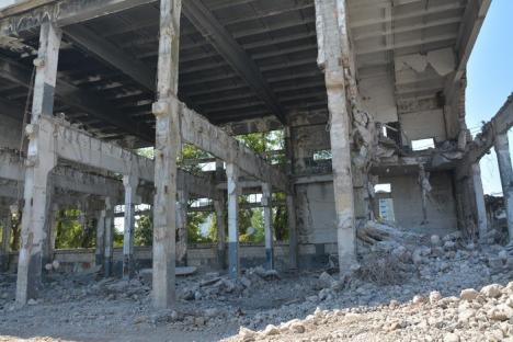 Se demolează! Fosta fabrică Metalica este dezafectată din temelii pentru a face loc unor blocuri (FOTO/VIDEO)