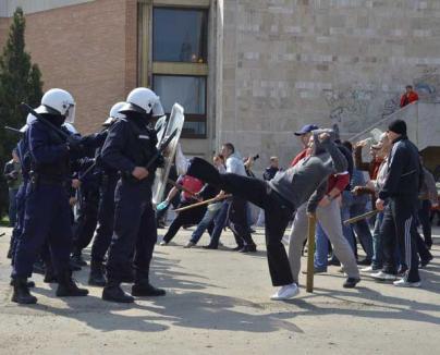 Jandarmii bihoreni şi-au arătat muşchii în faţa orădenilor (FOTO)