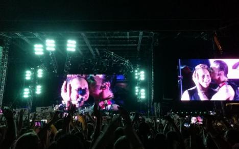 Legendarii trupei Depeche Mode, impresionaţi de fanii din România (VIDEO)