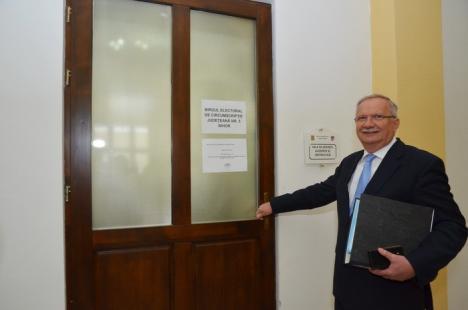 PSD şi-a depus candidaturile pentru Consiliul Judeţean. Mang deschide lista, urmat de primarul din Ţeţchea şi prorectorul Ţara (FOTO/VIDEO)