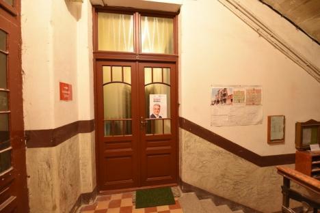 Primul cabinet europarlamentar deschis în Bihor după alegeri, inaugurat cu o pană electrică rezolvată chiar de titular – un fost ministru (FOTO)