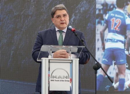 Doi ambasadori, George Bologan şi Emil Hurezeanu, la inaugurarea unui service din Borş, de 4 milioane de euro (FOTO / VIDEO)