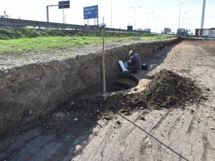 Locuinţe antice şi medievale, găsite de arheologi pe şantierul unei străzi din Oradea (FOTO)
