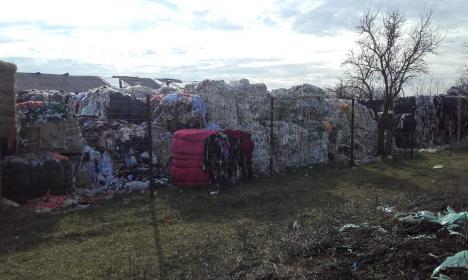 """""""Plouă"""" cu amenzi şi plângeri penale: Încă o firmă, demascată în cazul depozitelor clandestine de deşeuri descoperite în Bihor"""