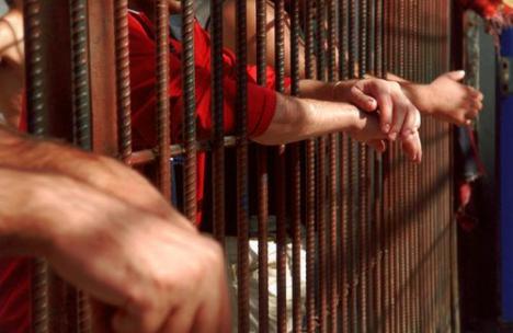 Arestat preventiv pentru omor, un tânăr de 28 de ani s-a sinucis în Penitenciarul Oradea