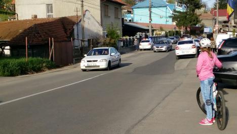 Deţinutul evadat a fost prins pe strada Făcliei. A încercat să fugă de polițiști! (FOTO / VIDEO)