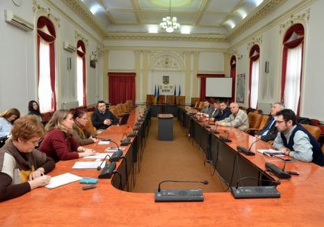 Asociaţia Pro Democraţia ar media, dar n-are cu cine: La Comisia de Dialog Social au lipsit şi pieţarii din Rogerius, şi reprezentanţii ADP