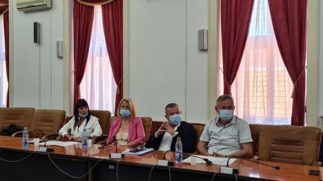 Dezbatere despre viitorul învăţământului dual şi profesional, la Oradea. Un secretar de stat a pus punctul pe 'i': 'Stăm prost şi foarte prost' (FOTO / VIDEO)