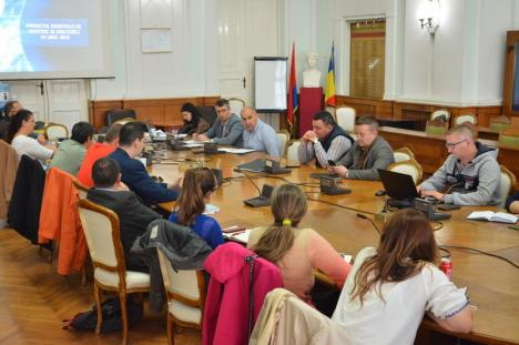 Dezbaterea bugetului Oradiei: Primarul Ilie Bolojan promite reluarea finanţării ONG-urilor din 2020 (FOTO)