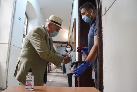 Prezenţa la vot în Oradea şi în Bihor: Mai mulţi alegători la urne decât în urmă cu patru ani, până la ora 14