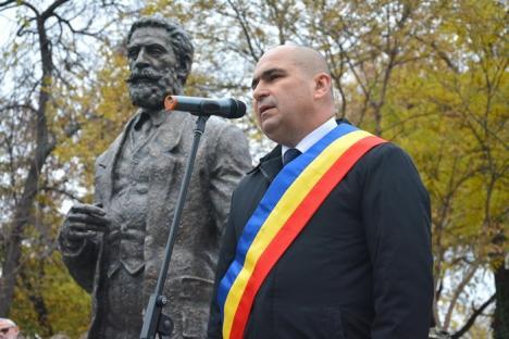 Sărbătorile Centenarului au început fără şefii Consiliului Judeţean: Statuia lui Ion I.C. Brătianu a fost dezvelită în parcul ce-i poartă numele (FOTO)