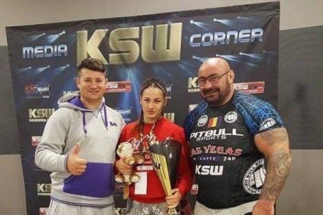 Războinica lui Sandu Lungu! O tânără antrenată de campionul orădean se bate în cuşcă pentru titlul de cea mai bună luptătoare MMA din Europa (FOTO/VIDEO)