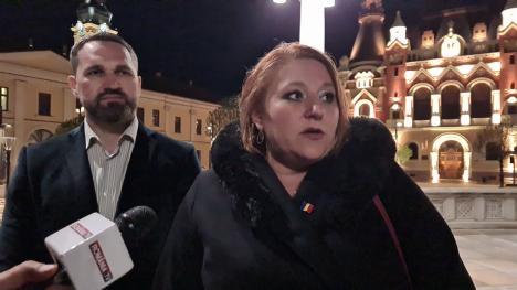 Diana Șoșoacă, la Oradea: Și-a lăsat puținii susținători să o aștepte o oră, preferând să apară la TV (FOTO / VIDEO)