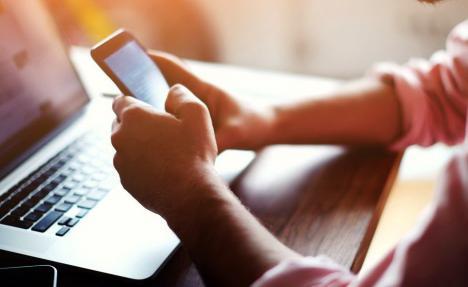Generaţia Tech: Tinerii orădeni pot face gratuit cursuri de IT, susţinute de Google