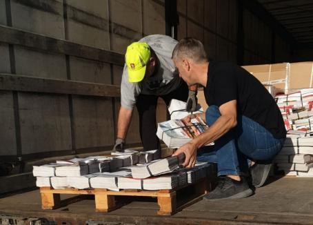 Peste 140.000 de măști și alte zeci de mii de materiale de protecțe, distribuite de Prefectura Bihor în secțiile de votare (FOTO)