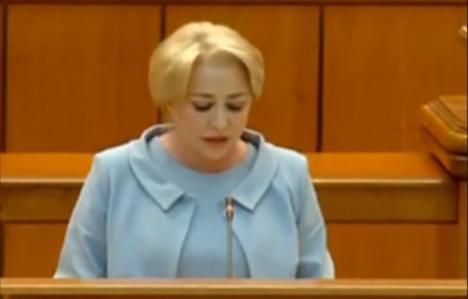 Discursul plin de gafe al premierului Viorica Dăncilă, viral pe Facebook: S-a depăşit ţinta de deficit asumată / Adversarii PSD pe care îi reprezint (VIDEO)