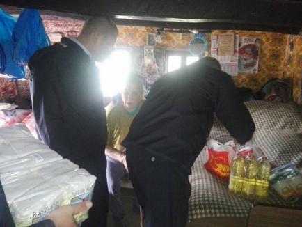 Pompierii bihoreni alături de semeni: Au 'intervenit' pentru ajutarea a opt familii sărmane (FOTO)