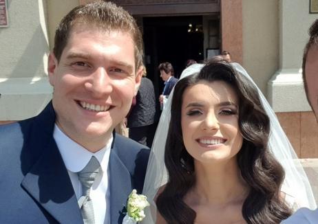 Adi Maghiar, socru mare: Decanul Facultăţii de Medicină din Oradea şi-a însurat mezinul