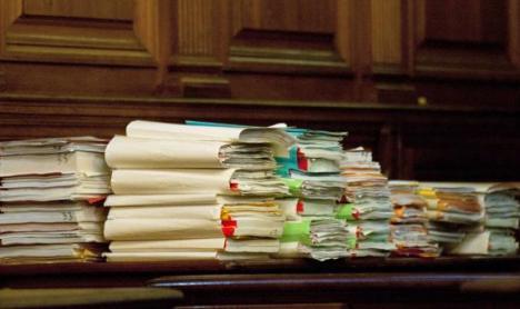 Patru judecători acuzaţi de DNA de corupţie. Unul dintre ei primea şpaga pe cardul de salariu