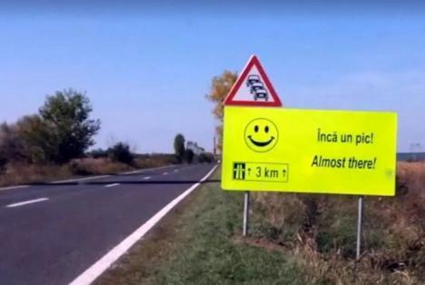 CNAIR a inventat noi indicatoare: 'Acum începe greul' şi 'Rezistă', pe un drum greu de parcurs (FOTO/VIDEO)